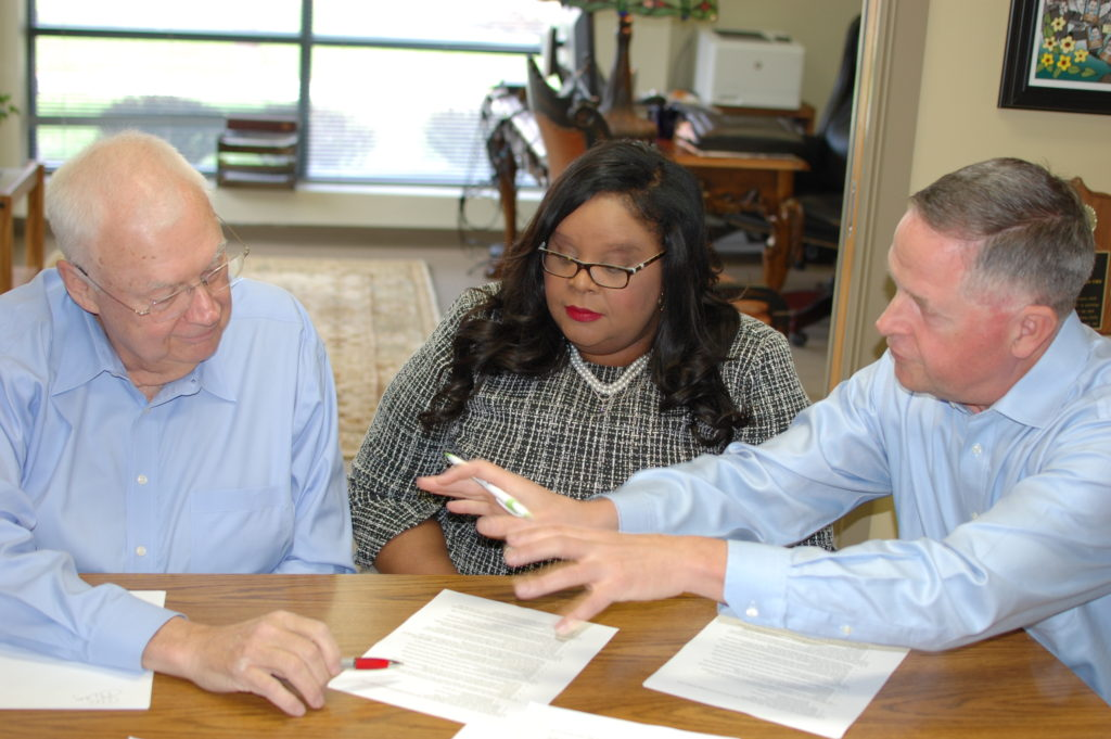 Paul (right) strategizing with SCTE•ISBE's Mark Dzuban and Zenita Henderson